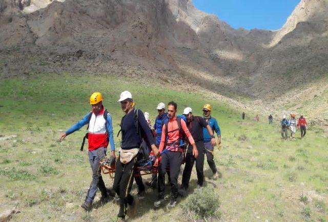 سقوط مرد ۵۰ ساله از ارتفاعات کوه دیل در حین مهار آتش