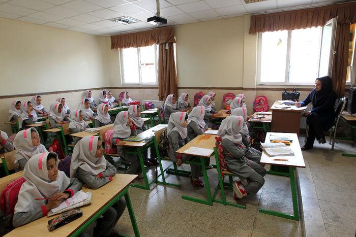 مدرسه 12 کلاسه برکت به نام اولین شهید مدافع حرم خراسان جنوبی