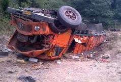 واژگونی کامیون در محور آرادان- سرخه یک کشته بر جای گذاشت