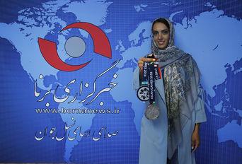حضور  نازنین رحمانی دارنده مدال نقره آسیا در خبرگزاری برنا