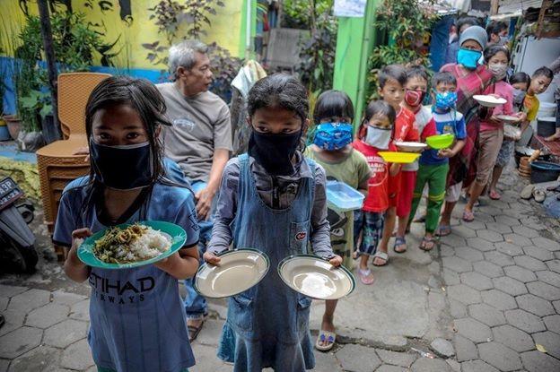 گسترش فاجعه آمیز فقر و گرسنگی در جهان در پی شیوع کرونا