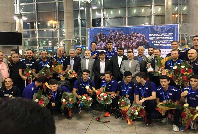 استقبال داورزنی و احمدی از قهرمانان نوجوان والیبالیست