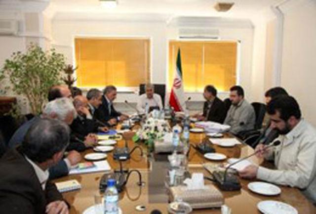 روند پیشرفت در اجرای پروژههای عمرانی استان فارس مورد بررسی قرار گرفت