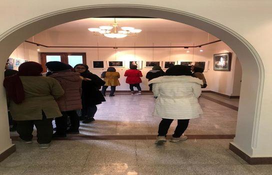 نمایشگاه گروهی عکس و نقاشی پیش پای خوشه چین ها