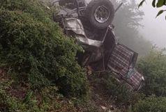 سقوط خودرو پاترول به دره ای در ارتفاعات مریان شهرستان تالش