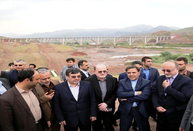 وزیر راه از بزرگترین پل سازه بتنی ریلی کشور بازدید کرد