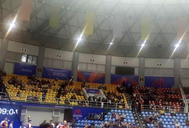 برای بازی ایران بانوان در جایگاه ویژه خود اسکان داده شدند