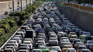 ترافیک در آزادراه قزوین-کرج-تهران نیمه سنگین است