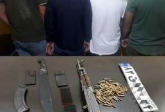 کشف سلاح و مهمات جنگی در آبادان/باند سارقان خشن مسلح دستگیر شدند