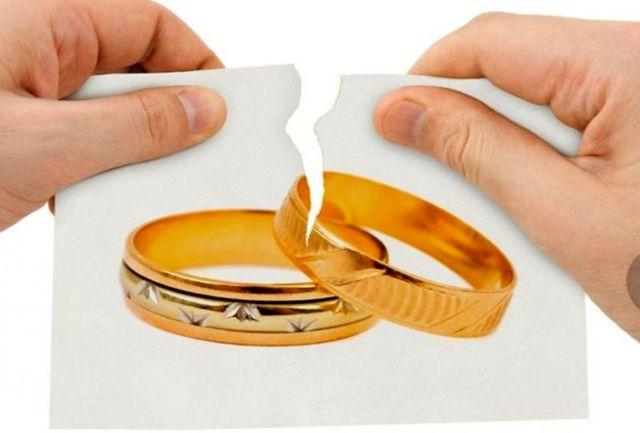 چرا باید با دقت تمامی صفحات عقدنامه را خواند؟