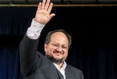 وزیر صنعت با 8 مشاور خود خداحافظی کرد
