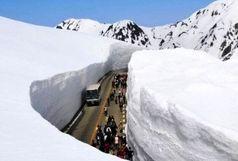 برف 12 هزار نفر روستایی را در الیگودرز محاصره کرد