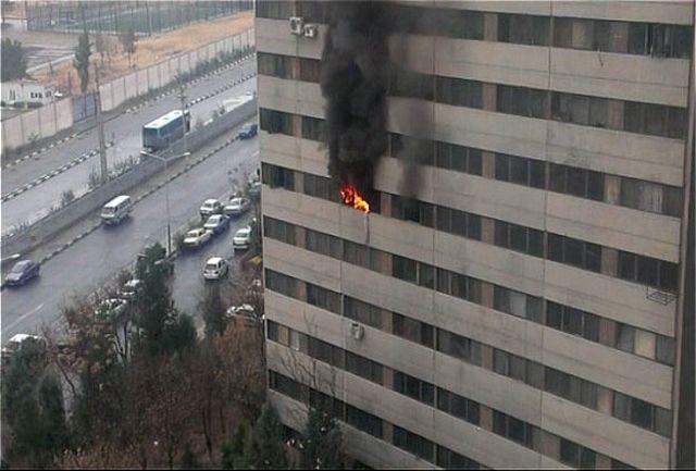 آتش سوزی و انفجار در شهرک اکباتان/ به خطر افتادن جان 12 نفر