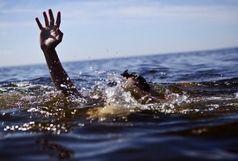 غرق شدن پدر و پسر در یک استخر خانگی