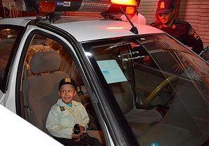 لباس پلیس بر قامت کودک مبتلا به سرطان