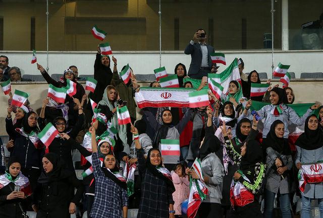 حضور بانوان در استادیومها حق مسلم آنها است