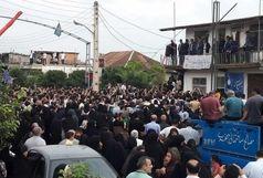 احمدینژاد را خودروی مصالح ساختمانی حمل کرد/ سخنرانی غیرقانونی در جمع 60 نفره