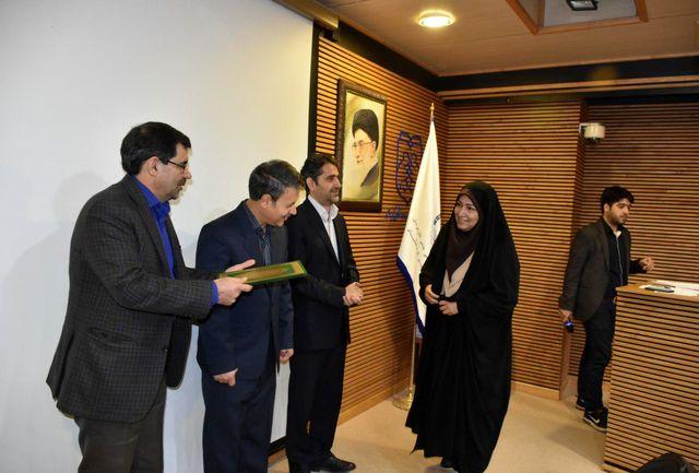 تجلیل از دانشجویان در دانشگاه فرهنگ و هنر کرمانشاه