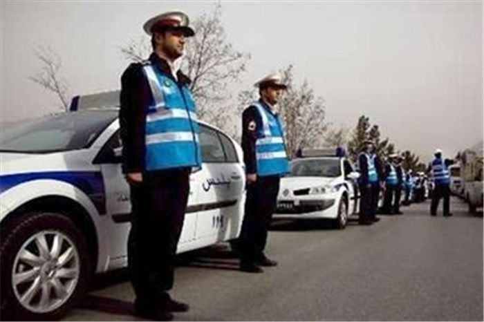 تقدیر رئیس پلیس از افسری که به کودکان کار کمک کرد