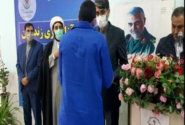 ۶۳ نفر از زندانیان واجد شرایط استان سمنان آزاد شدند