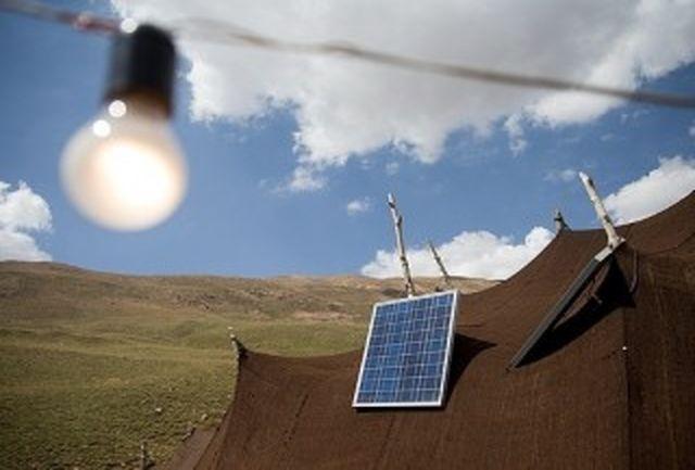 توزیع ٢٤٤ پنل خورشیدی بین عشایر کوچرو لرستان