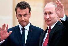 استقبال رییس جمهور فرانسه از پوتین با هدیهای عجیب