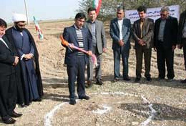 کلنگ طرح آبرسانی به منطقه ویژه اقتصادی مهران به زمین زده شد