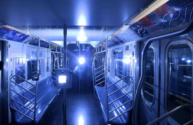 مهار کرونا در مترو با اشعه فرابنفش