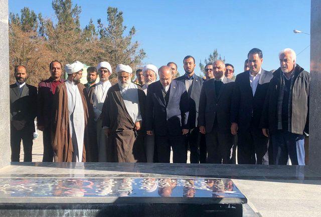 حضور وزیر ورزش و جوانان بر مزار شهدای گمنام تربت حیدریه