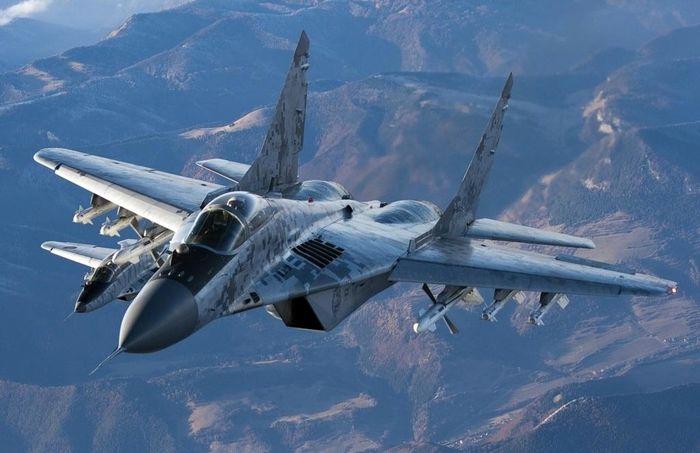تروریستها مدعی سرنگونی جنگنده ارتش سوریه در ادلب شدند