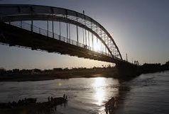 نجات به موقع یک زن از خودکشی شبانه در رودخانه کارون