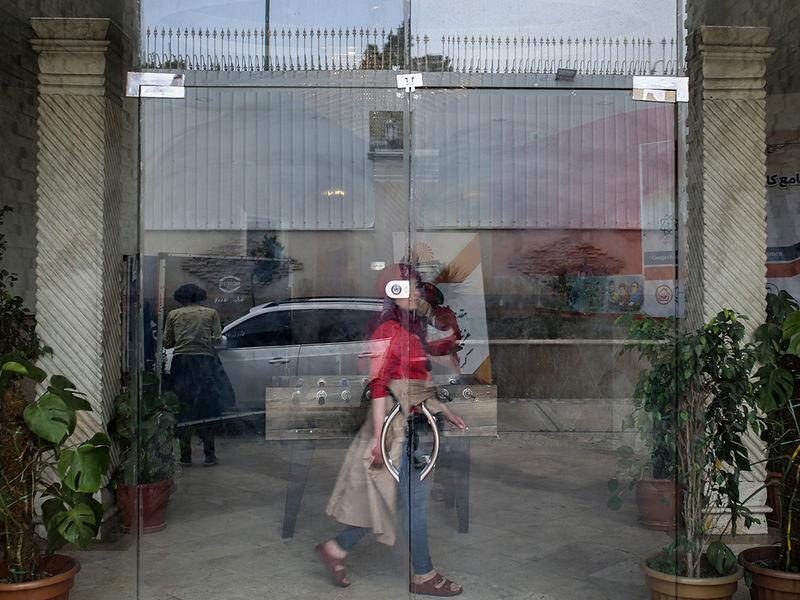 در مرکز بوستان شوش - روزهای کرونایی