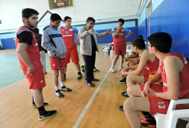 مسابقات بسکتبال مقطع متوسطه آموزشگاه های شهرستان الیگودرز برگزار شد