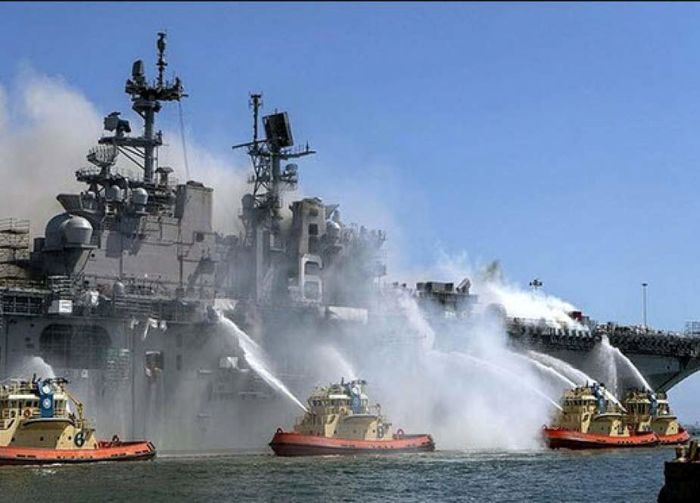 آتش بر جان ناو جنگی «یواساس بونهوم ریچارد»/ یک نماینده دیگر بر اثر کرونا درگذشت/ ماجرای درگیری لفظی رئیس مجلس یازدهم و رئیسجمهور