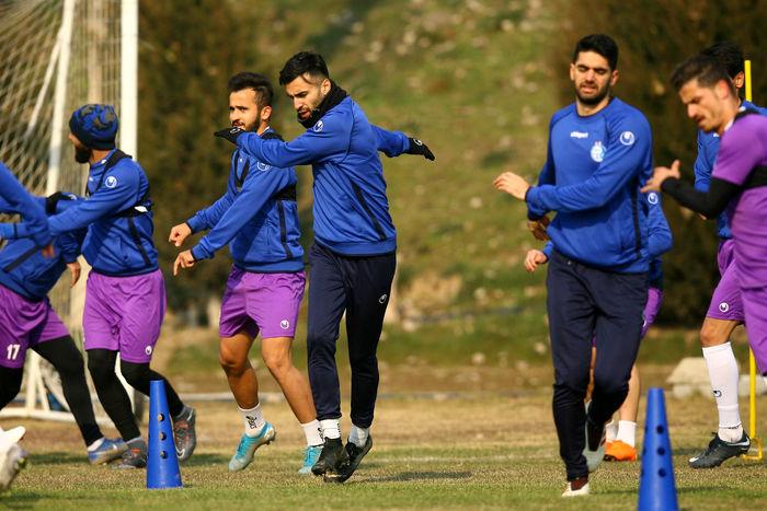 تمرینات استقامتی مجیدی برای آبی ها /  فوتبال درون تیمی در پایان زیر نظر مجیدی برگزار شد