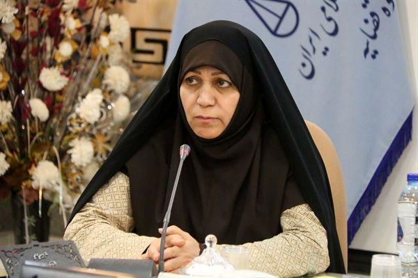 تدوین دایرهالمعارف زنان فرهیختۀ استان را در برنامه داریم