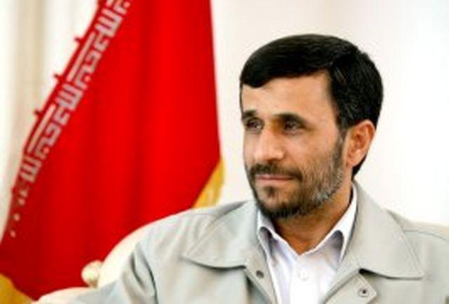 دكتر احمدی نژاد آغاز سال نو میلادی را تبریك گفت