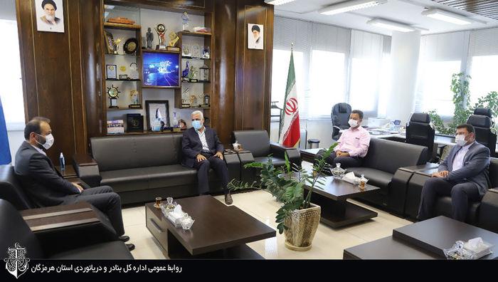 بهره گیری از ظرفیت های داخلی و استفاده از توان دانش ایرانی با هدف اشتغال پایدار
