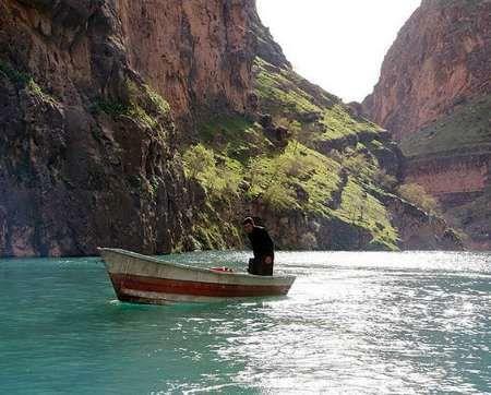 گردشگران تا اطلاع ثانوی از مراجعه به حاشیه رودخانههای و سدهای ایلام دوری کنند