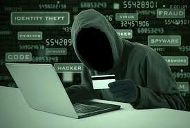 کلاهبردار اینترنتی به دام پلیس افتاد