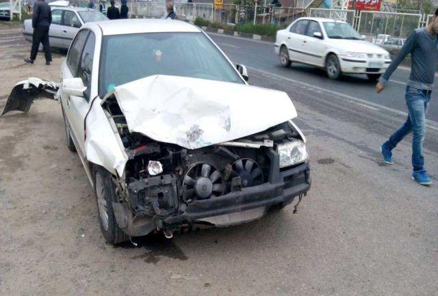 بی احتیاطی راننده خودرو حادثه ساز شد