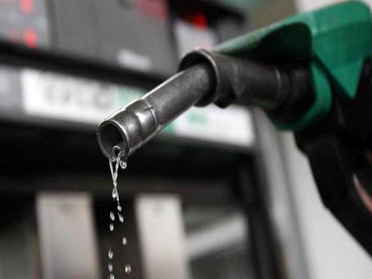 مردم خبرهای عرضه بنزین را از رسانه های رسمی پیگیری کنند