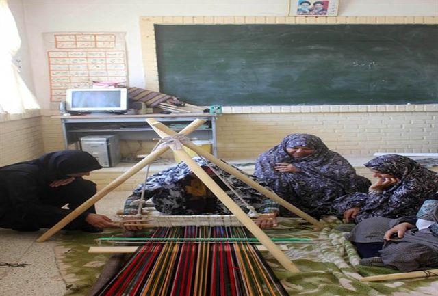 برگزاری 12 دوره آموزش صنایع دستی در شهرستان سرایان