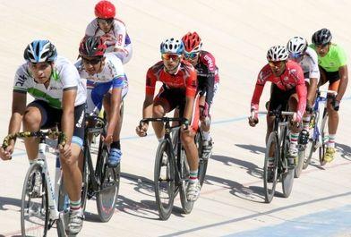 مسابقات لیگ دوچرخهسواری جوانان کشور در پیست مجموعه ورزشی آزادی