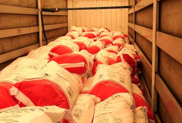 """کشف 43 تن شیر خشک قاچاق در""""سراوان"""""""