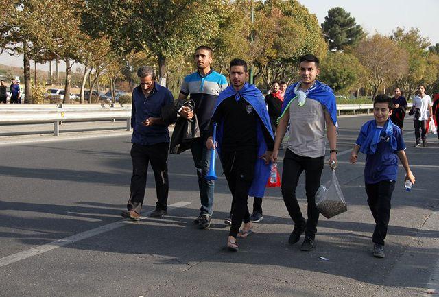 ترافیک سنگین مسیرهای منتهی به آزادی/ هواداران در حال ورود به ورزشگاه