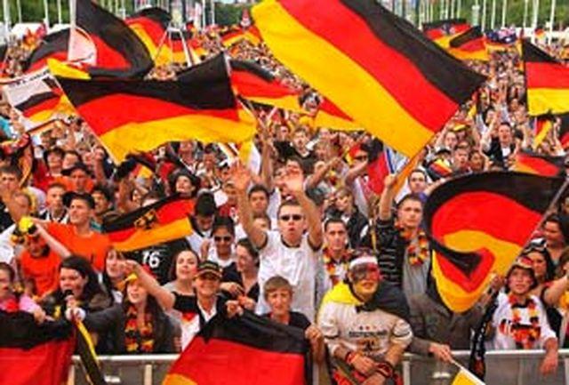 مردم آلمان از قدرت چه کشورهایی میترسند؟