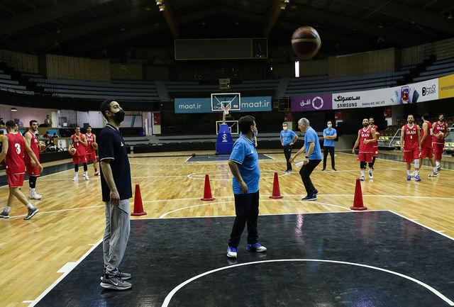 تیم بسکتبال اقایان نهاوند به لیگ کشور اعزام شد
