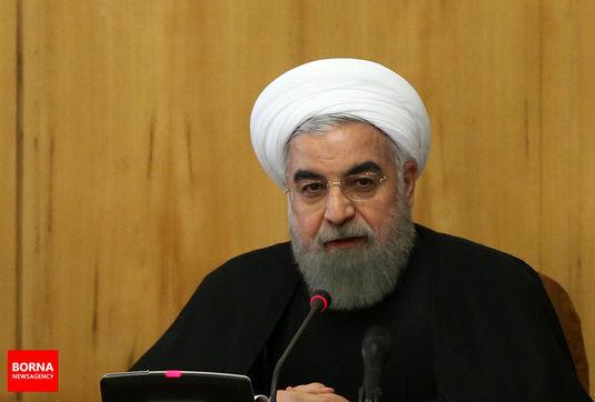 هم مرد دفاع و هم مرد مذاکرهایم/ با چاقوکش مذاکره نمیکنیم/ عربستان و امارات بدانند که وجود و بقایشان در سایه تصمیم خردمندانه ایران است/ نفت خود را میفروشیم