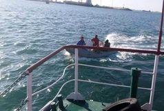 نجات جان دو نفر در آبهای خلیج چابهار